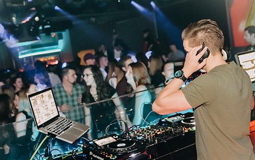 DJ John Taylor Stars Straubing